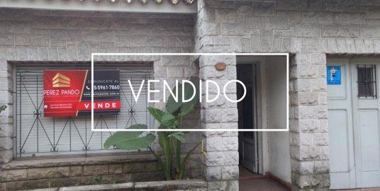 Ramon Franco 3585 – Remedios de Escalada – Casa estilo antigua- RESERVADO